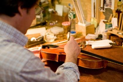 violinshop_bysarahtew11